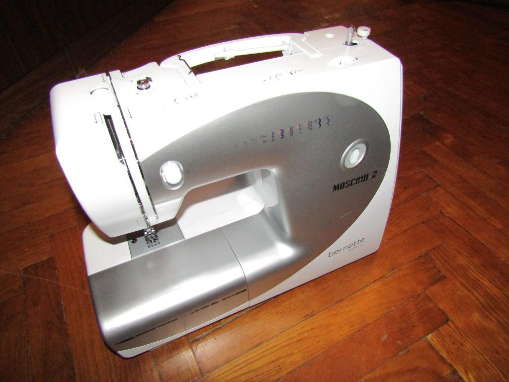 Бытовая швейная машина б/у в Санкт-Петербурге
